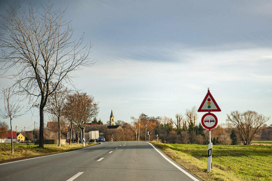 Kurz vor Wildenhain, aus Glaubitz kommend, gilt Überholverbot. Doch die bestehenden Regelungen zwischen den Ortsteilen sind oftmals zweideutig.