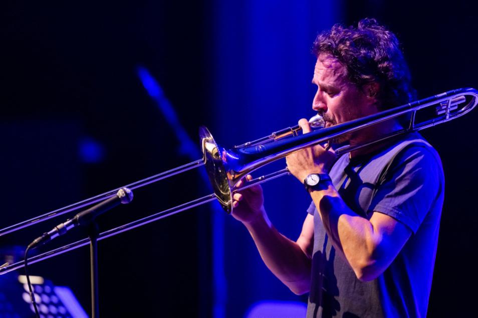 Diesen Sonnabend in Zürich, danach in Potsdam, Lugano und Köln – am Montag aber stand Jazz-Posaunist Nils Wogram in Hoyerswerda auf der Bühne.