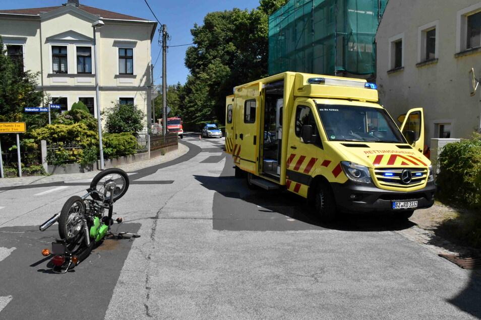 In Gaußig kam es zu einem Unfall, bei dem ein Moped-Fahrer leicht verletzt wurde.