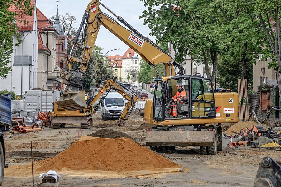 Letzter Akt an der Taucherstraße: Seit Anfang April rollen die Bagger auf dem noch unsanierten Bauabschnitt. Der Ausbau der Taucherstraße ist die größte Baumaßnahme der Stadt in diesem Jahr – aber nicht die einzige. Autofahrer müssen in den kommenden Mona