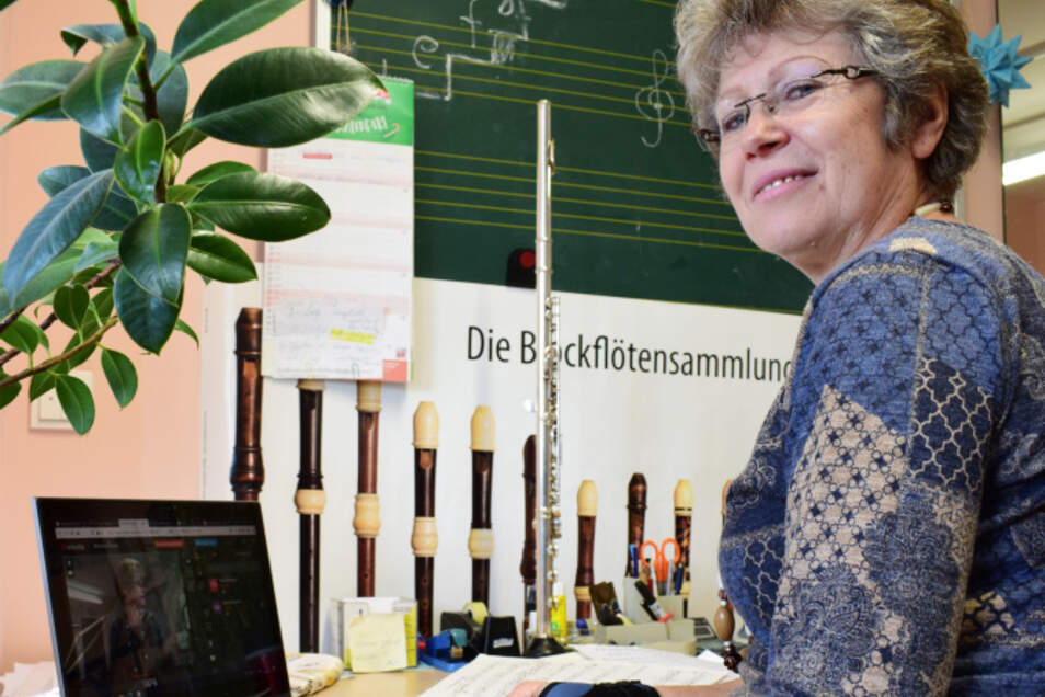 Thea Hanspach unterrichtet weiterhin online. Einbußen beim Ton und generell der Internetverbindung gehören meistens dazu.