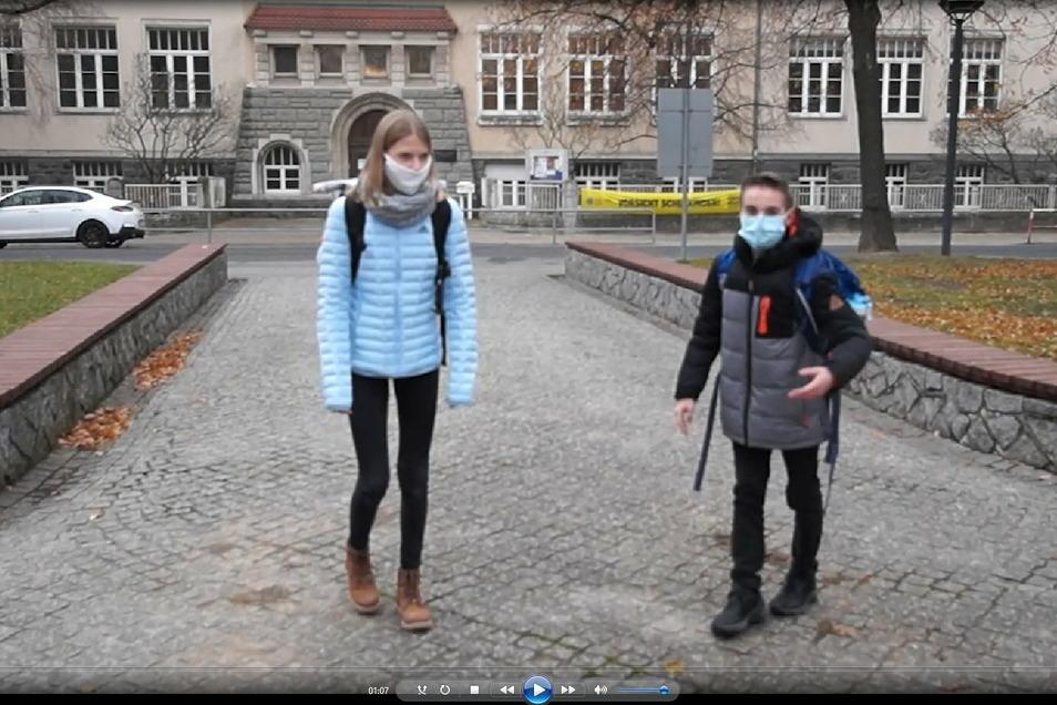 Im Video-Rundgang des Heisenberg-Gymnasiums führen Julia und Albrecht durch das Haus.