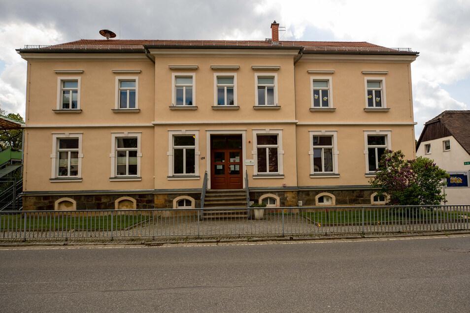 Die städtischen Kitas in Neustadt - hier die der Hohwaldbienen in Berthelsorf - öffnen zwar wieder. Aber es wird Einschränkungen geben.