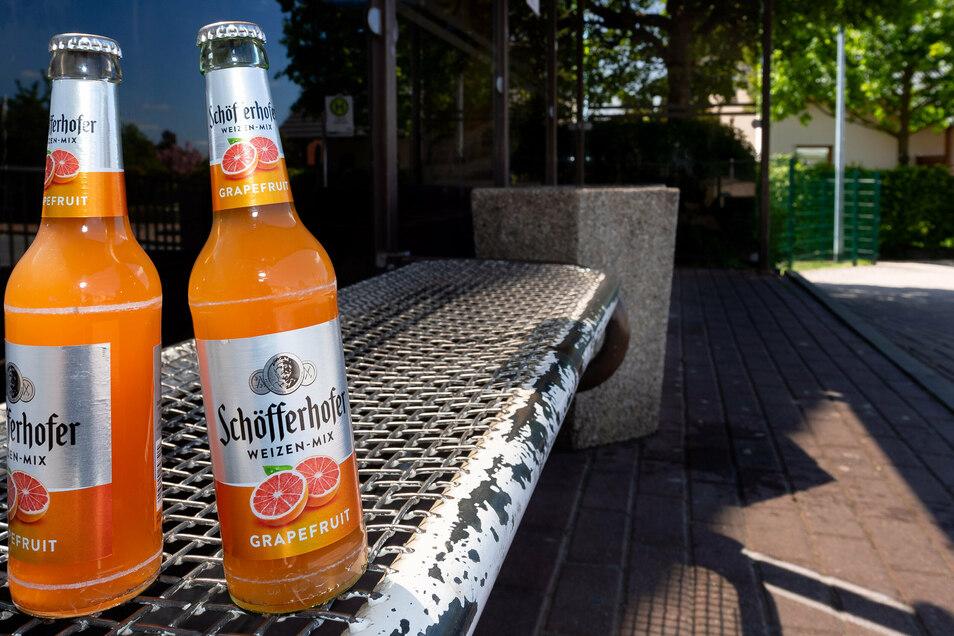 An der Bushaltestelle Pfarrfelder in Stolpen bleibt Alkohol tabu.