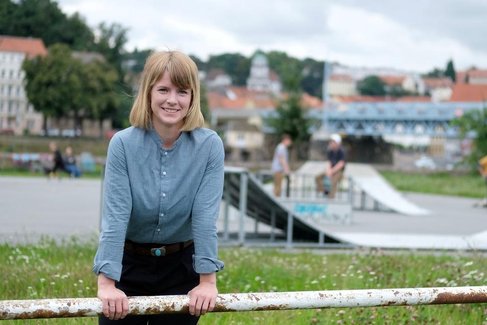An der Skaterbahn in Meißen: Die SPD-Bundestagskandidatin Stephanie Dzeyk (29). Sie war ein Jahr in Israel in einem Kibbuz, hat in Heidelberg Soziologie studiert und wohnt seit zwei Jahren in Klipphausen. Sie arbeitet im Sozialministerium.