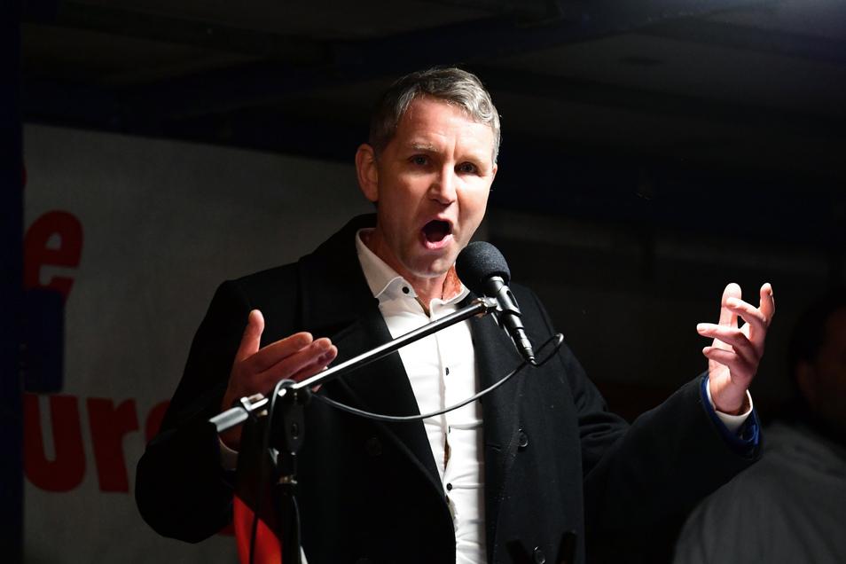 Björn Höcke sprach eine gute halbe Stunde auf der Pegida-Bühne.