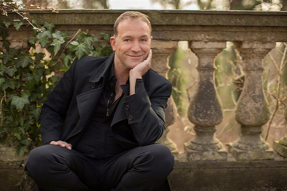 Mit seinem Konzert in Cunewalde am 3. Juli meldet sich der Tenor Björn Casapietra zurück auf der Konzertbühne. Im August ist der Italiener mit sächsischen Wurzeln gleich nochmal in der Region.