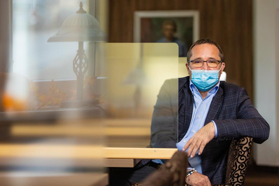Direktor Olaf Thimmig bangt um die drei Rathaus-Hotels in Oberwiesenthal.