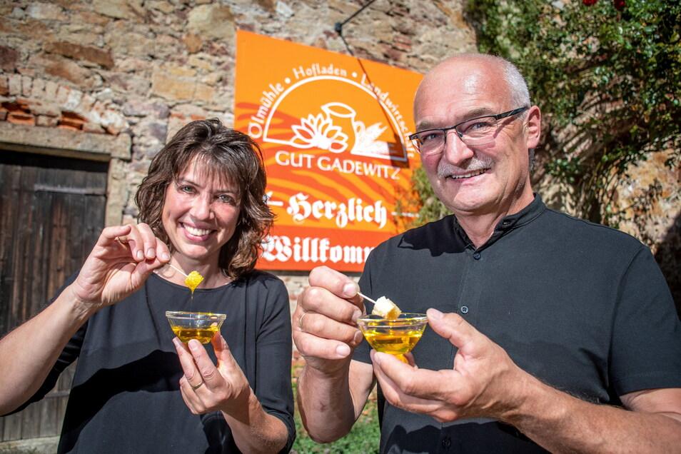 Maja und Dieter Horlacher vom Hofgut Gadewitz haben für die Zukunft Pläne. Sie stellen seit 2006 Öl aus selbst angebauten oder aus der Region stammenden Saaten her.