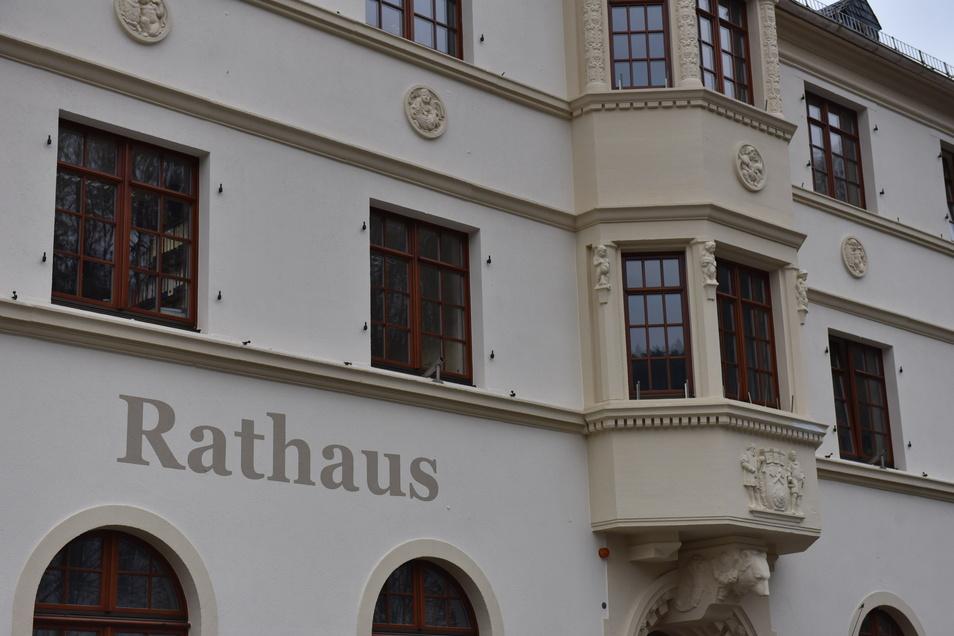 Das Rathaus plant die nächste Ratssitzung am 24. Februar abzuhalten. Dazu werden die Stadträte nach Reinhardtsgrimma geladen.