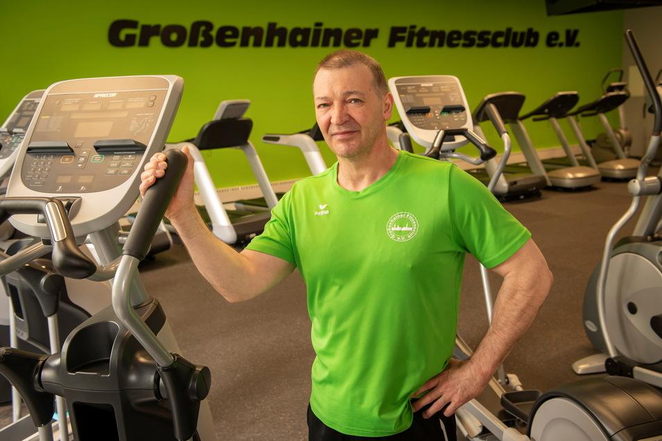 Sport frei: Hubertus Marx, Chef des Großenhainer Fitnessclub e. V. freut sich darauf, das Studio auf der Dresdner Straße endlich wieder öffnen zu dürfen.