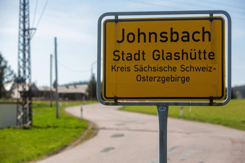 Ende des Monats werden Grundstücke aus dem Glashütter Stadtgebiet versteigert. Auch ein Flurstück aus Johnsbach ist dabei.