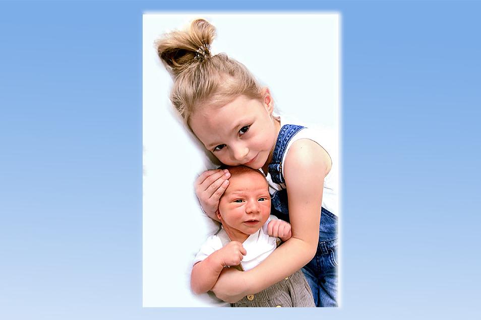 Till Dario Geboren am 24. Juni Geburtsort Kamenz Gewicht 4.210 Gramm Größe 53 Zentimeter Eltern Romy Olak und Jens Hoffmann Schwester Cora Wohnort Liebenau