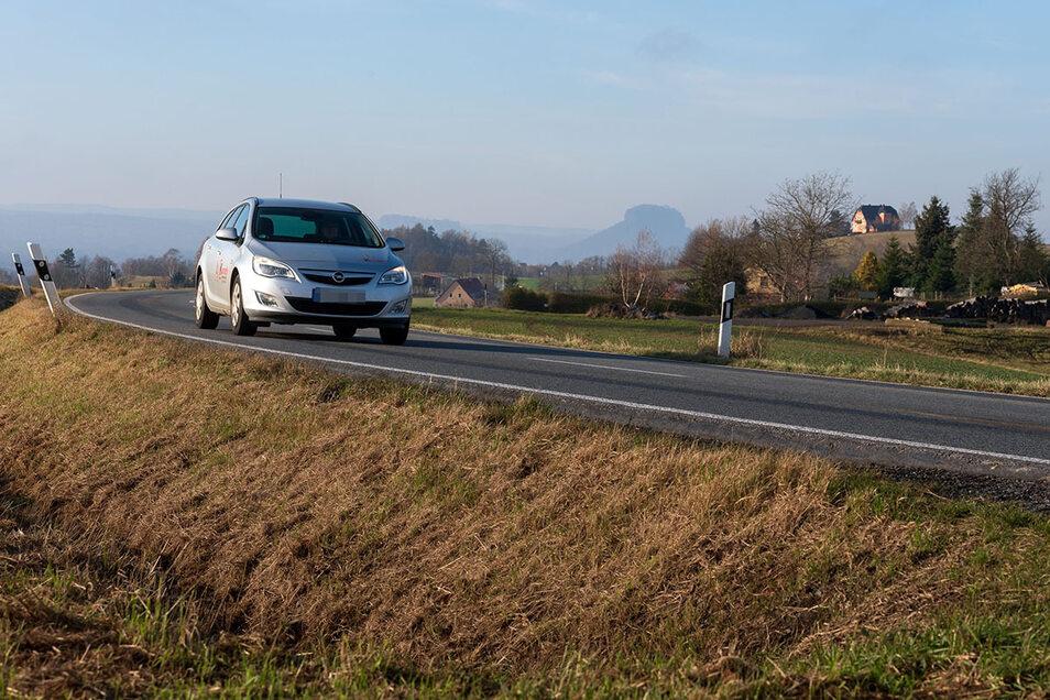 Die Staatsstraße S154 zwischen Sebnitz und Bad Schandau: Ein Radweg ist in Planung.