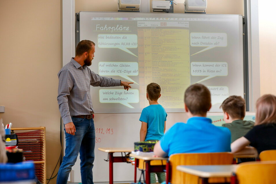 Endlich wieder normale Schule. So wie hier im Sommer in der Fichte-Grundschule Neugersdorf sieht es seit Montag an vielen Grundschulen wieder aus.