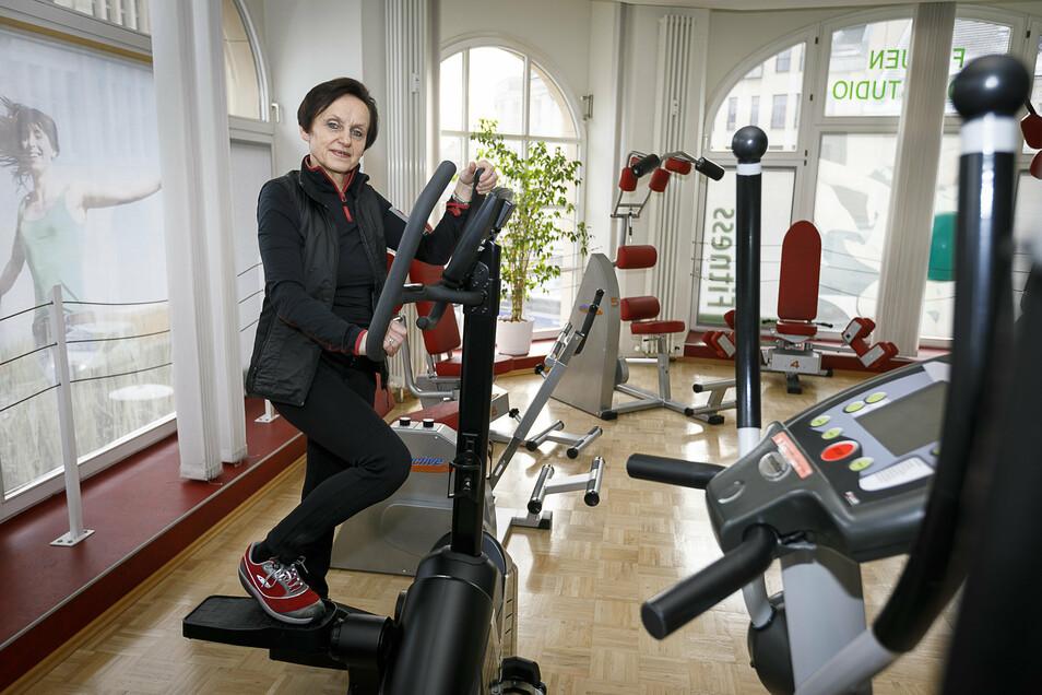 Anna Zähr, Chefin im Görlitzer Frauensportstudio Pour la femme: Derzeit ist es geschlossen. Aber aufgeben will Anna Zähr keinesfalls.