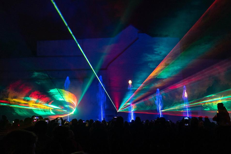 Eine Laser- und Feuershow findet am Silvestertag um 17 Uhr in Bischofswerda im Bereich von Krankenhaus, Rettungswache und Pflegeheim statt - dank eines Kamenzer Unternehmers.
