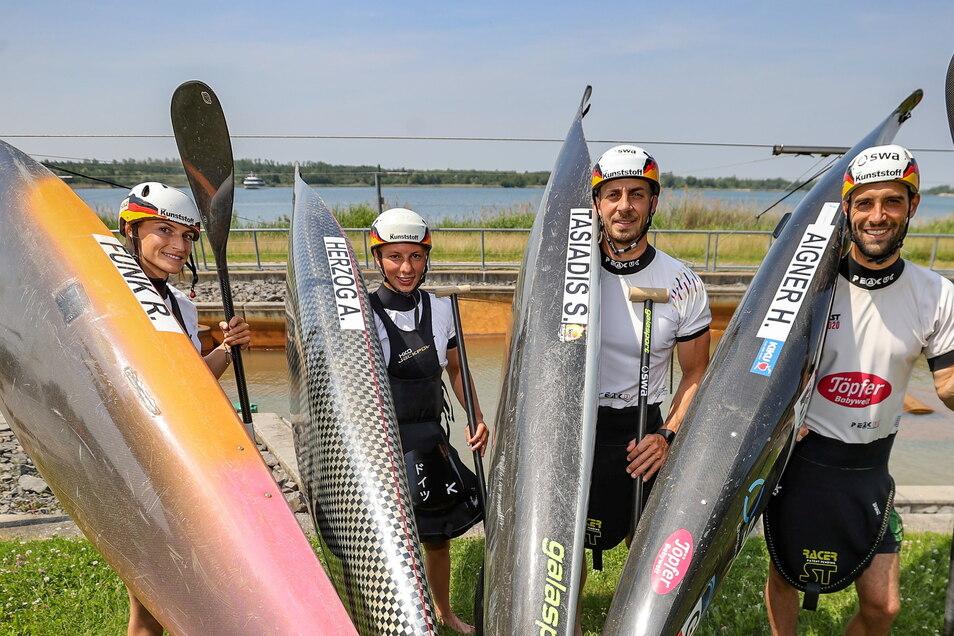 Ohne Boote nach Tokio? Für die vier deutschen Slalom-Kanuten um Weltmeisterin Andrea Herzog (2. v.l.) ist dieses Horrorszenario vom Tisch.