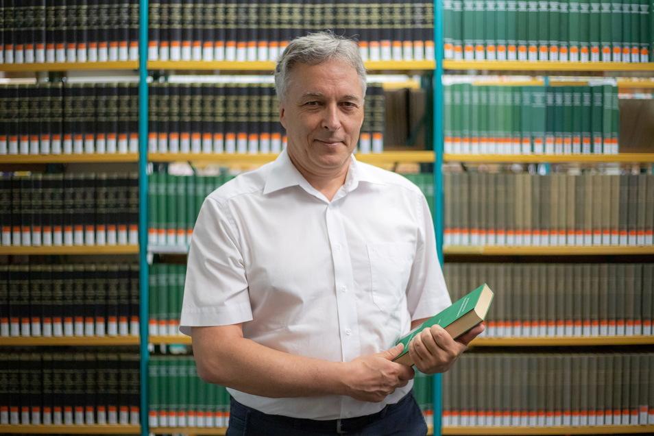 Prof. Dr. Dieter Müller ist Professor für Verkehrsrecht an der FH der Sächsischen Polizei in Rothenburg.