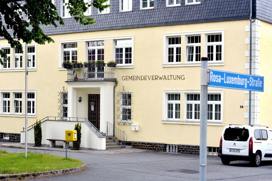 Vor dem Oderwitzer Gemeindeamt soll ein Rast- und Informationsplatz für die Oberlausitzer Umgebindehausstraße entstehen.