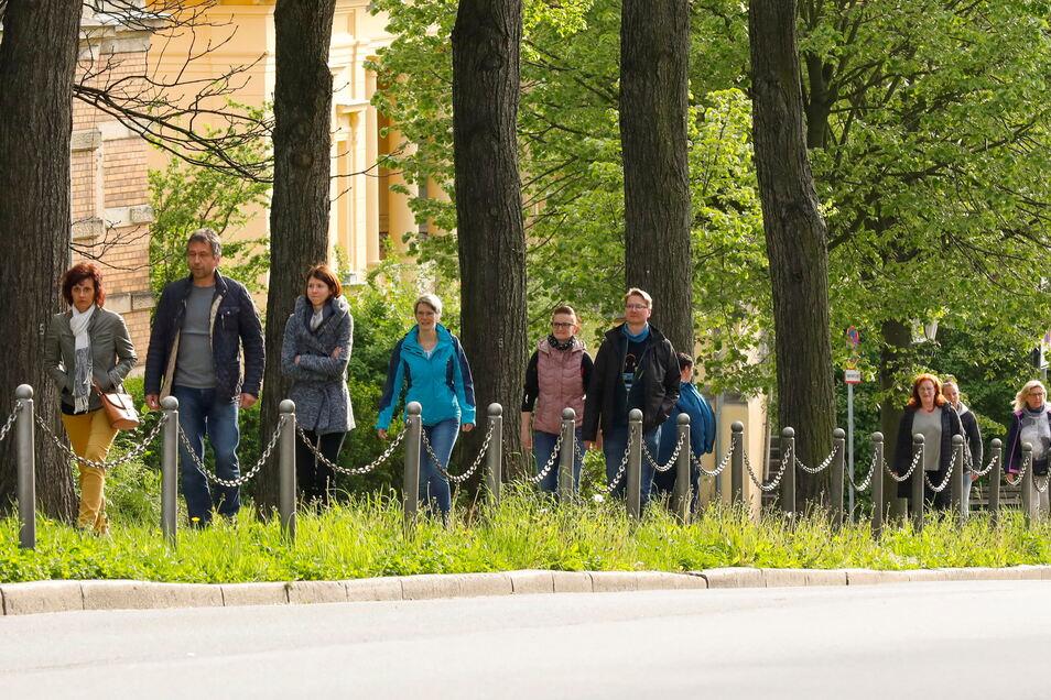 Bei den Ring-Spaziergängen in Zittau (hier ein Archivbild) laufen von Woche zu Woche weniger Menschen mit.