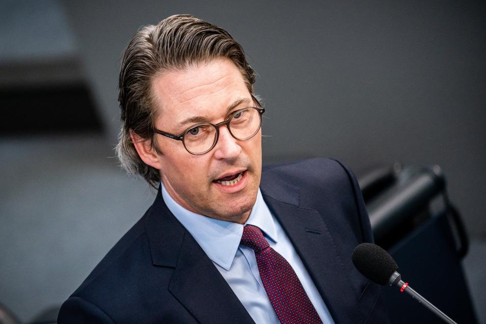 Verkehrsminister Andreas Scheuer (CSU) will die schärferen Sanktionen über Fahrverbote abmildern.