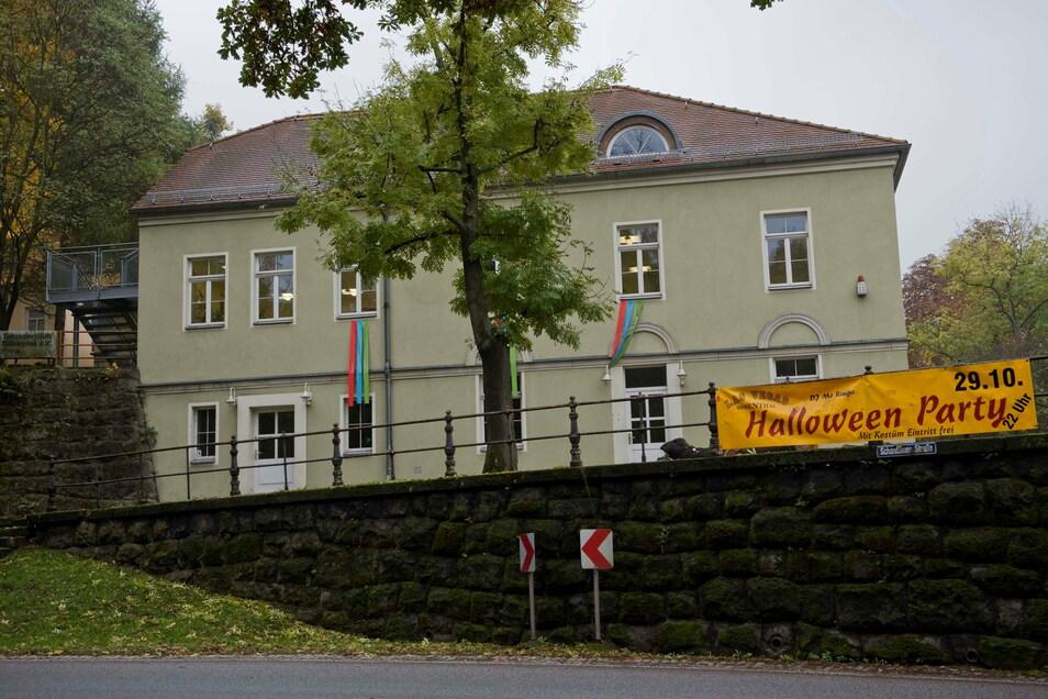 """Jugend- und Vereinshaus """"Hanno"""": Die Immobilie belastet den Pirnaer Haushalt stark."""