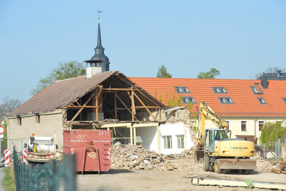 Im Frühjahr wurde die Scheune aus DDR-Zeiten abgerissen.
