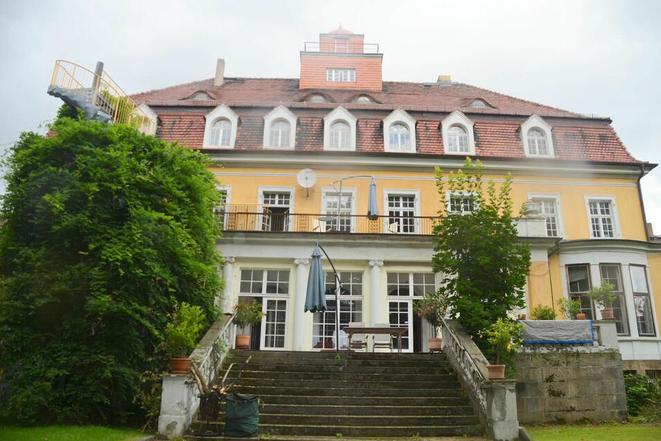 Schloss Goßwitz war einmal ein Herrenhaus und wurde im Laufe der Zeit immer weiter aufgestockt.