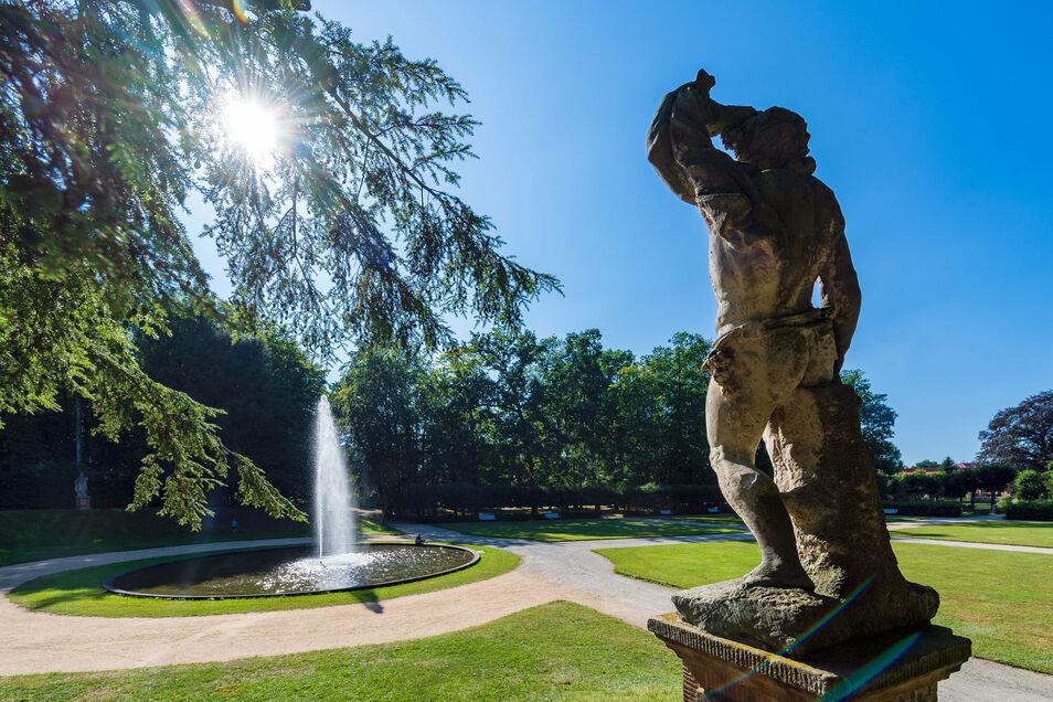 Der barocke Schlosspark von Großharthau hat auch eine Fontäne, die bis zu acht Meter in die Höhe schießt.
