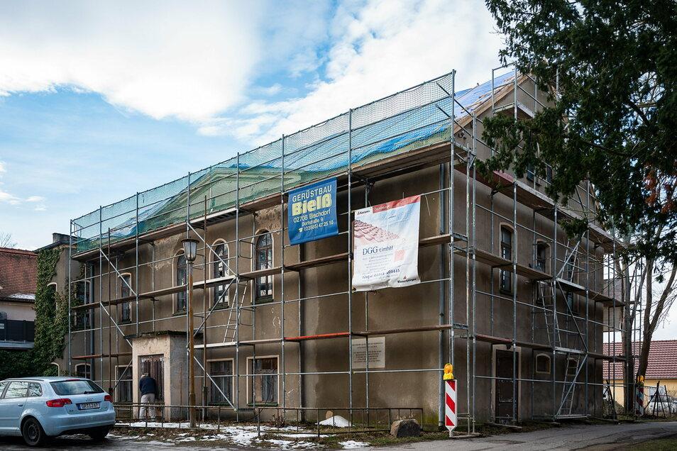 Das ehemalige Kulturhaus auf der Seidenberger Straße in Weinhübel stand lange leer und ist in einem sehr schlechten Zustand.