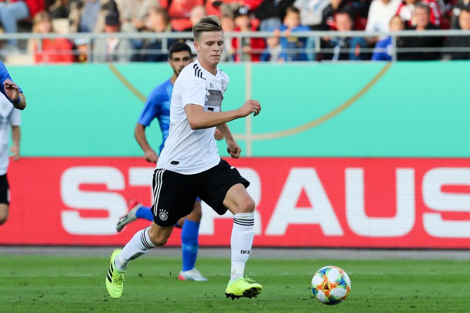 Dzenis Burnic will sich auch in der U21-Auswahl einen Stammplatz erkämpfen.