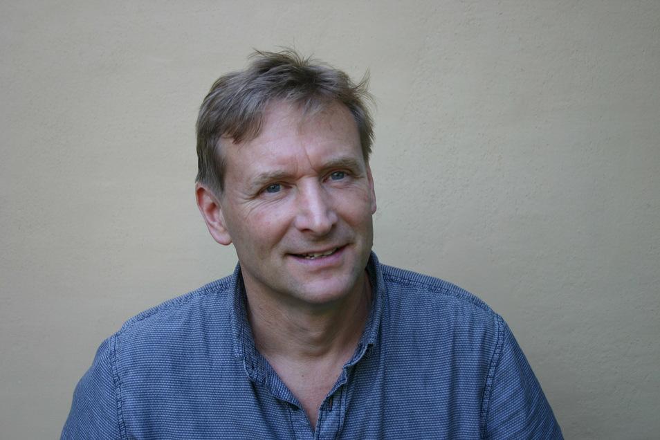 Jens Heinrich berät seit 27 Jahren Menschen in finanziellen Notlagen.