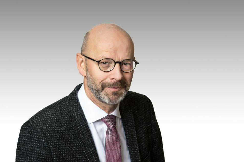 Stephan Helm ist Geschäftsführer der Sächsischen Krankenhausgesellschaft. Er befürwortet die Zukunftsstrategie des Städtischen Klinikums Dresden.