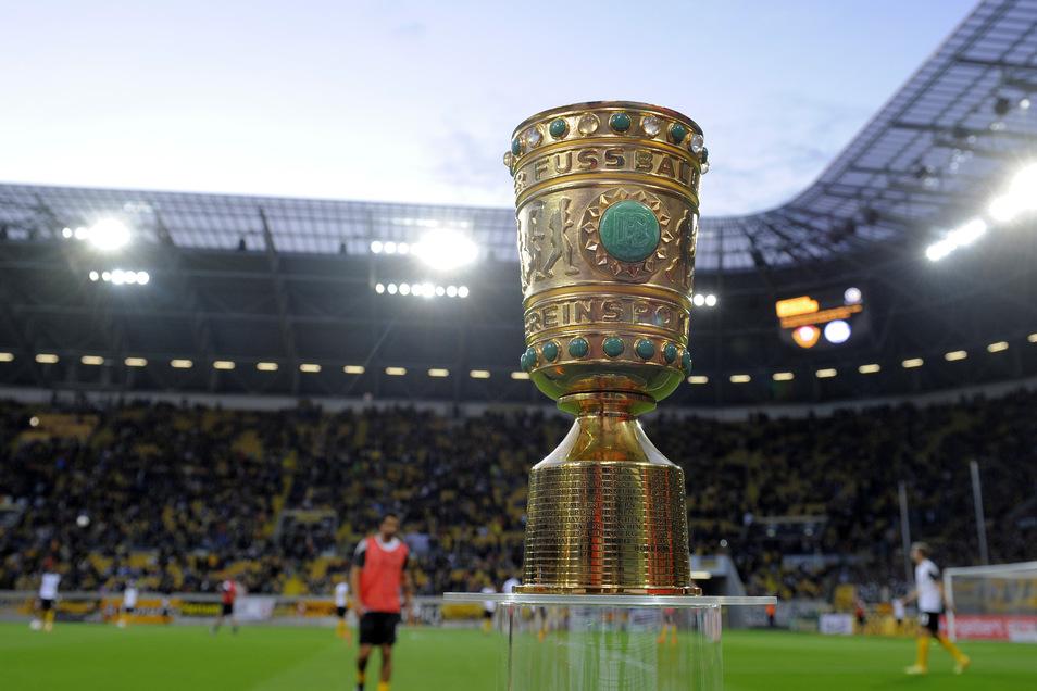 Nach dem Abstieg 2014 brachte der DFB-Pokal einen Motivationsschub für den Neuanfang. Dynamo warf Schalke 04 und Bochum raus, scheiterte erst an Borussia Dortmund.