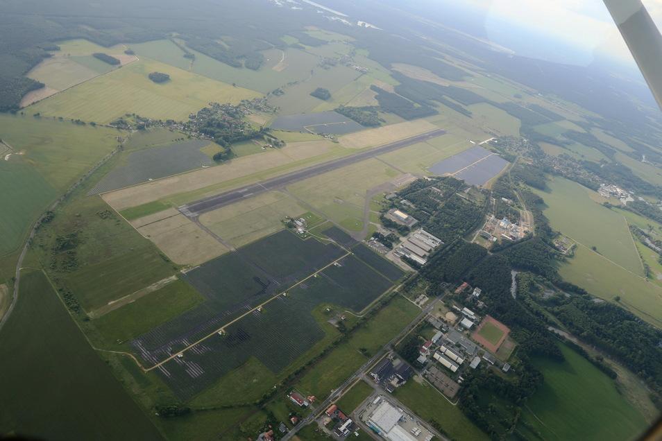15 Hektar können am Flugplatz Rothenburg noch vermarktet werden. Klappt es mit dem Flugzeugrecycling nicht, könnte hier auch ein europäisches Katastrophenschutzzentrum oder ein Versorgungszentrum der Bundeswehr entstehen.