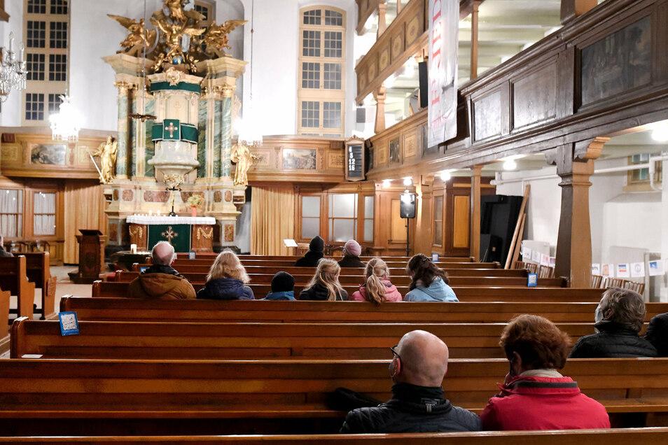 Besinnlich ging es in der Kirche zu. Zu jeder vollen Stunde gab es Orgelmusik.