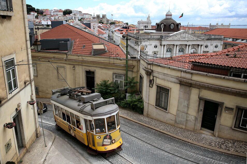 Blick auf Lissabons Altstadt: Hier gibt es besonders viele Corona-Delta-Fälle.