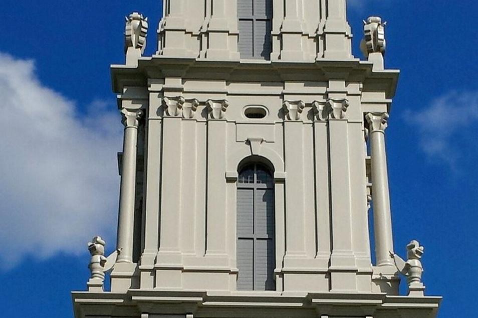 Auf den Turmabsätzen wie hier im Modell sollen die Sandsteinfiguren später postiert werden.