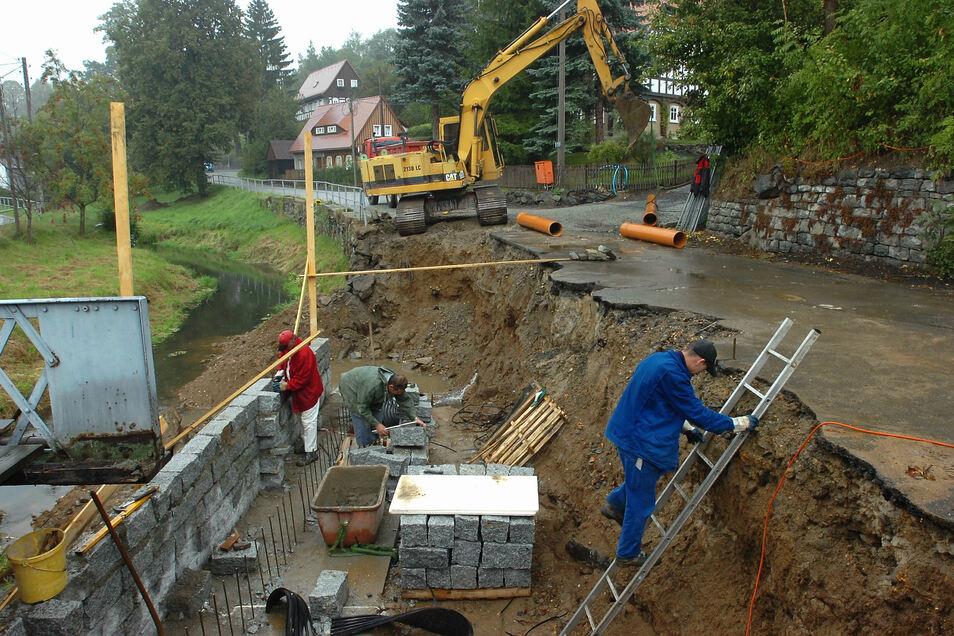 Die Sanierung von Bachmauern wie dieser in Seifhennersdorf ist teuer.