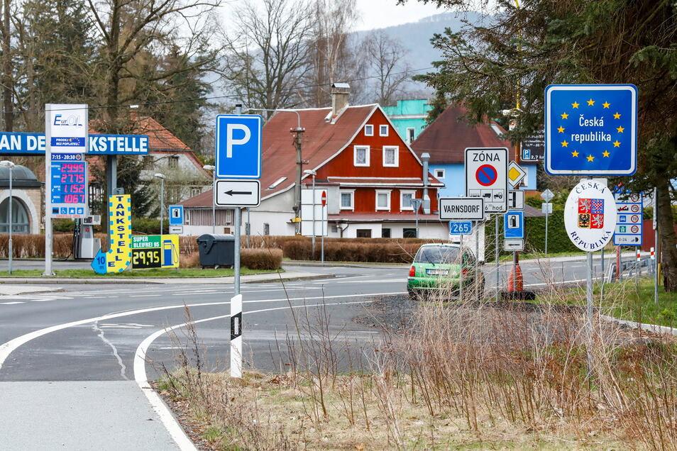 Am Grenzübergang in Seifhennersdorf gab es schon am Mittwoch keine stationären Kontrollen. Der kleine Grenzverkehr bleibt dennoch weitgehend eingeschränkt.