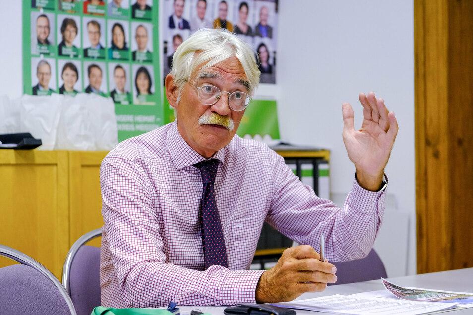 Ulrich Reusch ist seit 1999 CDU-Fraktionsvorsitzender im Stadtrat. Der promovierte 65-Jährige ist Ministerialdirigent und Abteilungsleiter Verwaltung und Recht im neugebildeten sächsischen Staatsministerium für Regionalentwicklung.