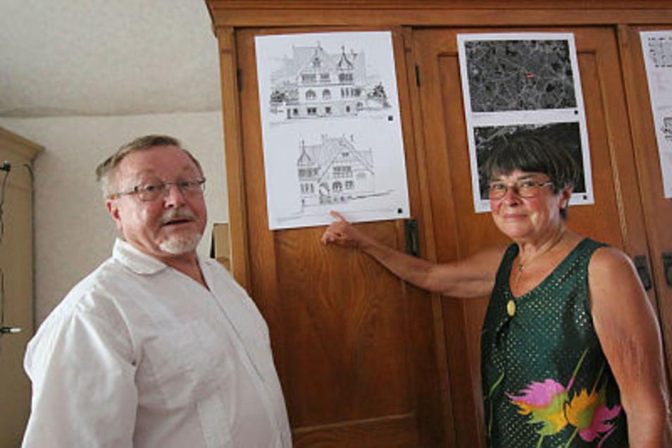 Susanne und Axel von Erffa gehört die Villa Bauch, von der sie die ersten Entwürfe mitgebracht haben.