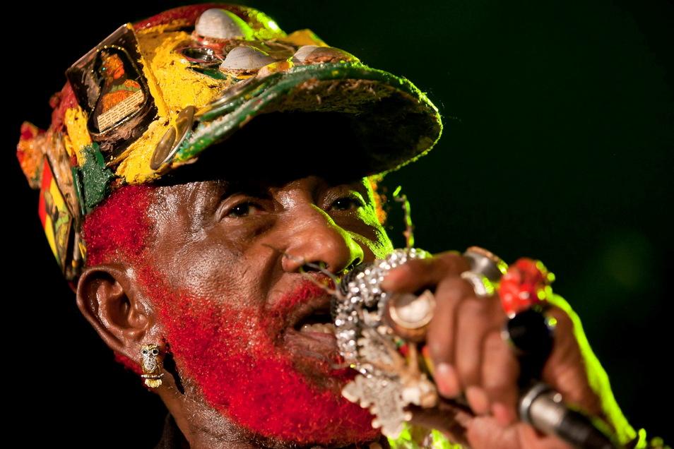 """Der jamaikanische Musiker Lee """"Scratch"""" Perry ist tot. Er starb am Sonntagmorgen mit 85 Jahren in einem Krankenhaus."""