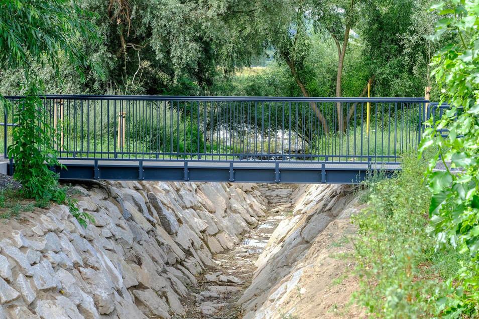 Die Brücke ist jetzt offiziell begehbar.