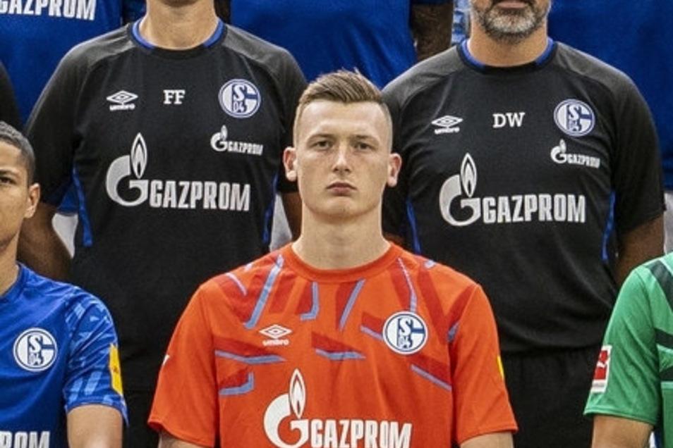 Ungewohntes Bild: Markus Schubert im Schalke-Trikot.
