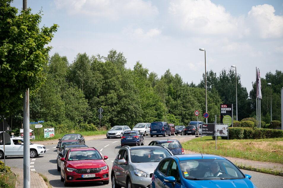 Nur eine kleine Vorahnung: Die Umleitung von der Hornbach-Kreuzung Richtung B 99.