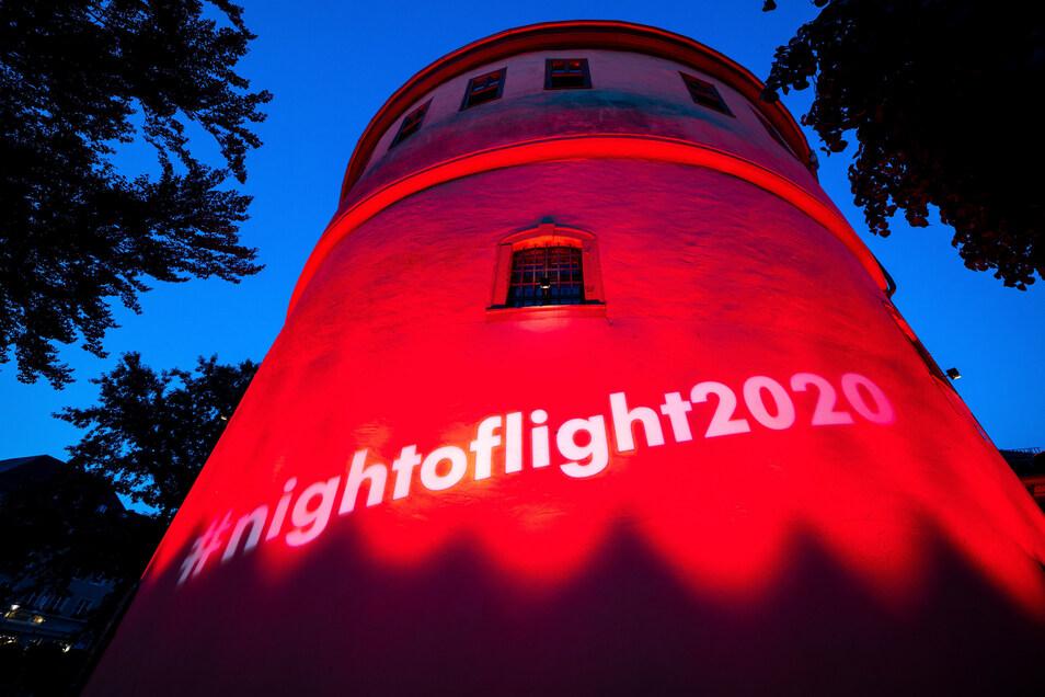 In rotes Licht ist der Studentenclub «Kasseturm» in Weimar getaucht.