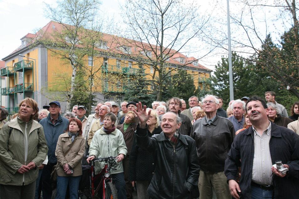 Wenn Ernst Kretzschmar zur Führung einlud, kamen viele. Hier mit 120 Interessierten beim Internationalen Denkmaltag in Zgorzelec.