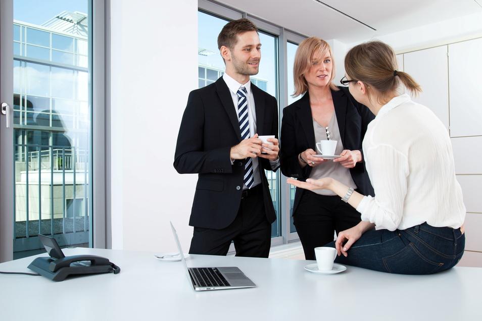 Äh ...? Wem im Job selten eine schlagfertige Reaktion einfällt, der kann sich verschiedene Antwortmethoden antrainieren.